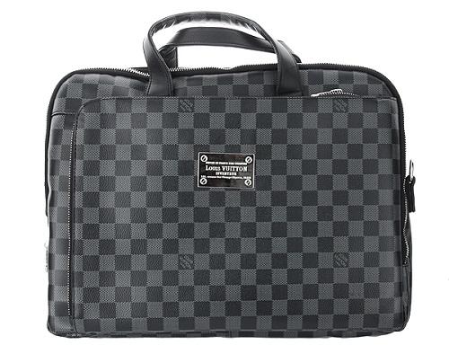 9f46affe3d81 Кейсы всемирно известного бренда Louis Vuitton больше придутся по душе  мужчинам консервативным и ценящим классический стиль.