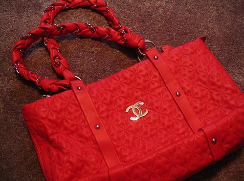 Chanel сумка сколько стоит женский пуховик moncler в москве